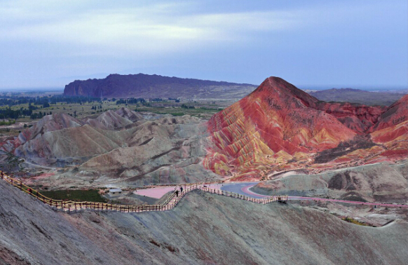 Classic Tours to Rainbow Mountains China